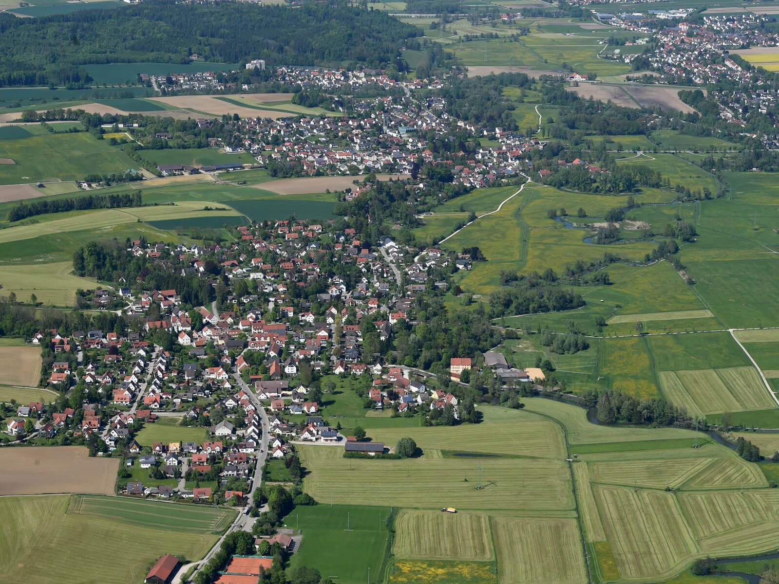 Luftbild von den Stadtteilen Hainhofen, Ottmarshausen, Hammel und Neusäß (im Uhrzeigersinn, beginnend rechts unten). Foto: Marcus Merk.