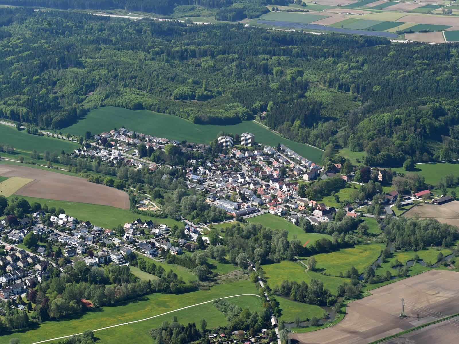 Blick über den Stadtteil Hammel auf den Naturpark Augsburg-Westliche Wälder. Foto: Marcus Merk.