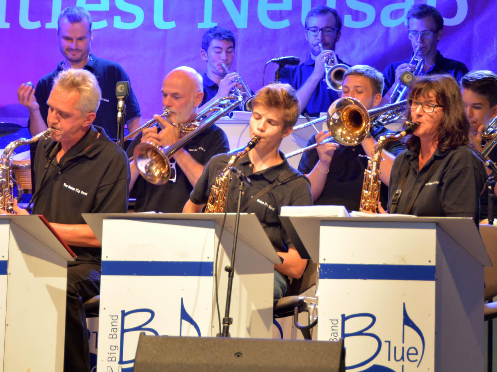 Auftritt der Big Band Blue Notes. Foto: Kerstin Weidner