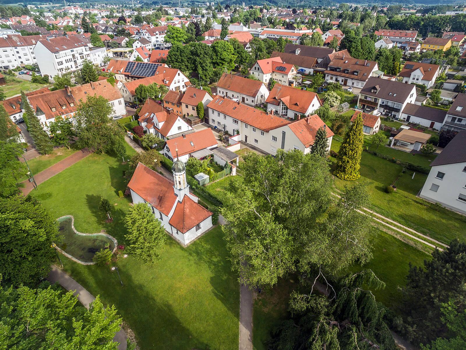 Blick von oben auf den Ägidiuspark. Foto: Ingo Dumreicher