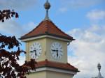 Die sanierte Turmuhr des Pflegeheims am Lohwald.
