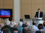 Erster Bürgermeister Richard Greiner arbeitete die Auswirkungen der EU auf Neusäß in seinem Vortrag heraus.