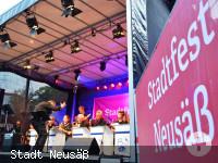 Die BigBand Blue Notes bei ihrem Konzert auf dem Neusässer Stadtfest.