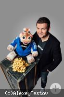 Sebastian Reich mit Puppe Amanda
