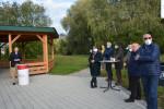 Bürgermeister Richard Greiner eröffnet den Bienenpark am Weldenbahnweg.