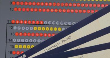 Saalplanauswahl mit Teilansicht von Eintrittskarten. Foto: Stadt Neusäß