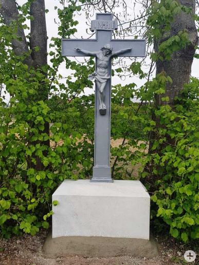 Das Feldkreuz nahe des Notburgaheims nach der Sanierung.
